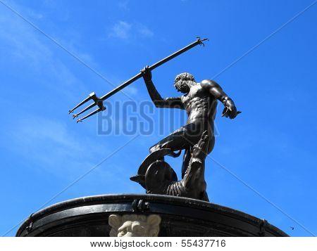 Neptun-Brunnen und dem Rathaus in Danzig, Polen