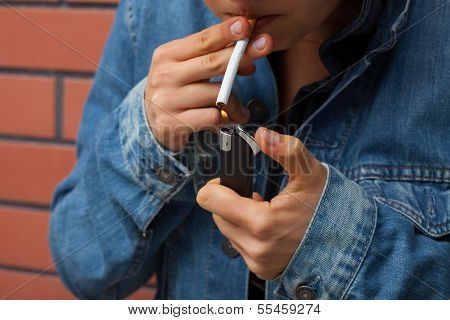 Smoker With Lighter
