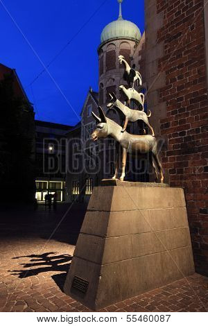 Bremen town musicians statue at night, Germany