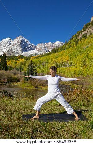 Yoga at Maroon Bells in Fall
