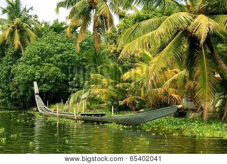 Sanke boat