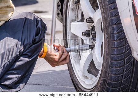 Replacing Wheel Vehicle