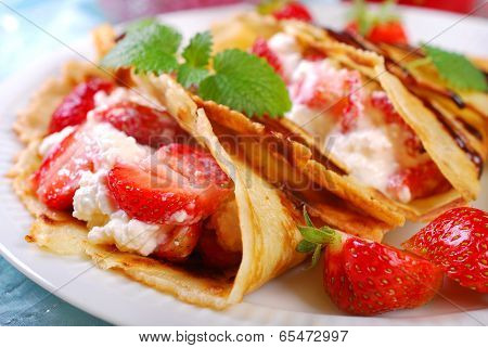 Pancakes With Cottage Cheese And Fresh Strawberries