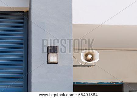Horn Speaker And Light
