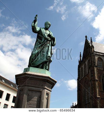Statue in Haarlem