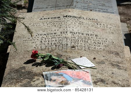 Amedeo Modigliani and Jeanne Hebuterne grave