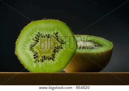 still life with kiwi fruit