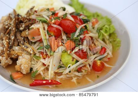 Papaya Spicy Salad With Salmon