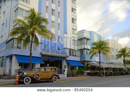 Art Deco Style Park Central in Miami Beach