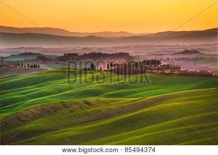 Crete Senesi, Rolling Hills On Sunset. Rural Landscape Near Siena. Tuscany, Italy