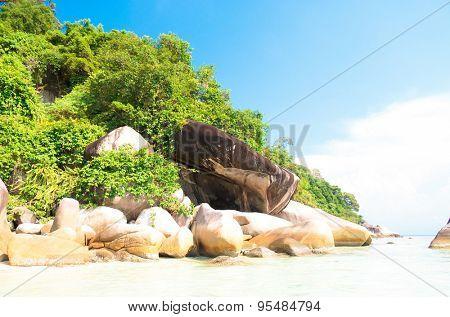 Lagoon Boulders Rocky Bay