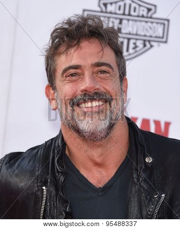 LOS ANGELES - JUN 29:  Jeffrey Dean Morgan arrives to the