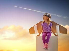 picture of spaceman  - child is dressed in an astronaut costume - JPG
