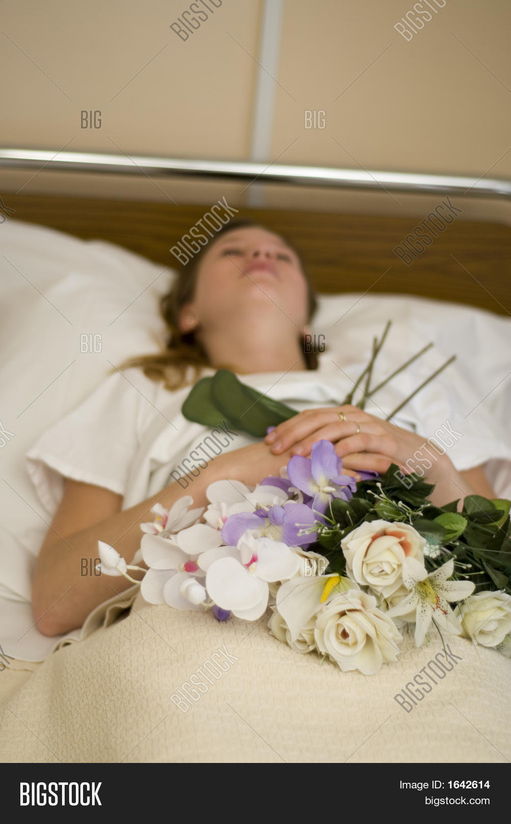 Dead Young Girl Bed Image Photo Bigstock