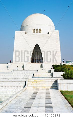 Mazar-e-Quaid- mausoleum of the founder of Pakistan, Muhammad Ali Jinnah. Karachi, Pakistan