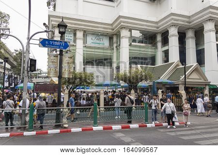 BANGKOKTHAILAND - DEC 31 : scene of pedestrian at Erawan shrine at Ratchaprasong Junction while new year festival on december 31 2016 Thailand.