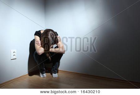 Joven mujer que sufría de depresión severa