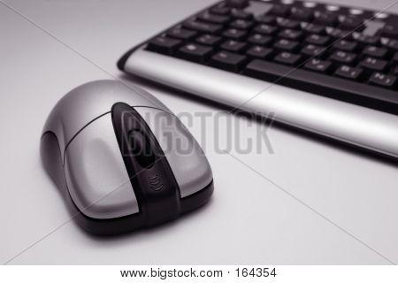 Drahtlose Maus und Tastatur