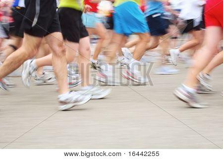 Corredores de maratón (desenfoque de movimiento)
