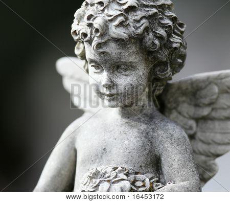 Schöne Skulptur auf einem Friedhof Melbourne
