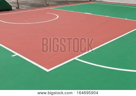 outdoor basketball shooting area in day time