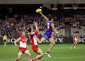 MELBOURNE - SEPTEMBER 12: Josh Hill leaps for the ball in the AFL second semi final - Western Bulldo