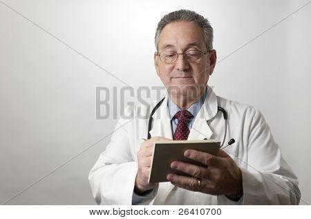 hispanische Arzt Arzt schreiben Rezept