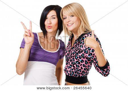 """Dos jóvenes firma hermosa mujer mostrando """"Thumbs up"""" y '' paz ''. Aislado sobre fondo blanco"""