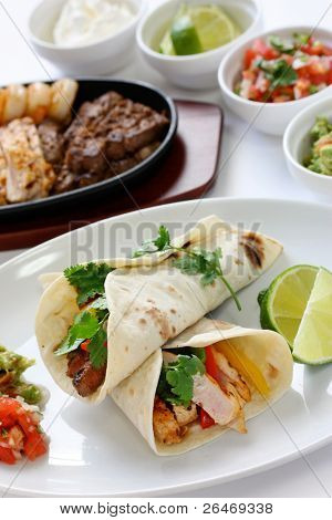 beef chicken and shrimp fajitas, mexican cuisine, tex-mex cuisine