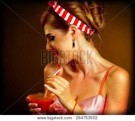 Martini glass flirt Pin up
