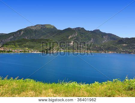 Lago di Garda, largest Italian lake,North Italy
