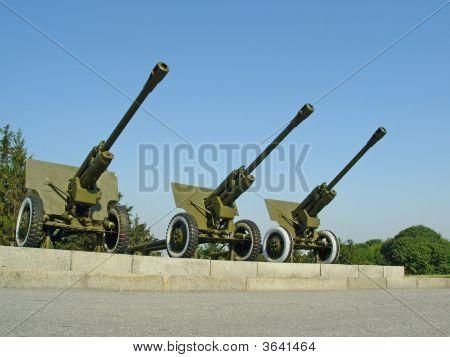 Three Big Cannons