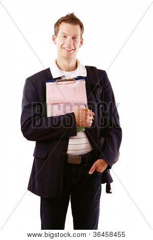 Empresario caucásico escribir notas y sonriendo a la cámara, aislada sobre fondo blanco