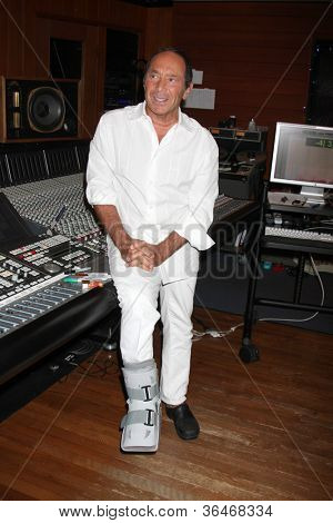 LOS ANGELES - AUG 27:  Paul Anka at a photo call for Anka for rewriting