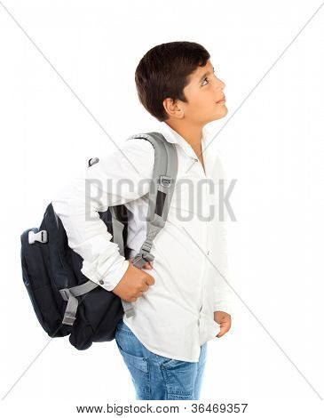Colegial poco feliz sonriendo, hermoso muchacho preadolescente, aislado sobre fondo blanco, regreso a la escuela,