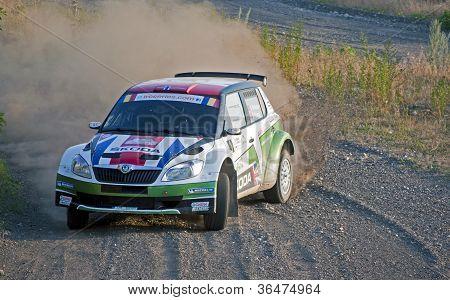 Andreas Mikkelsen em seu Skoda Fabia S2000 Rally