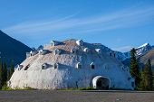 picture of igloo  - igloo on Alaska - JPG