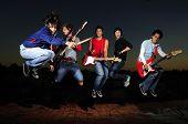 Постер, плакат: Сумасшедшие музыкальные группы
