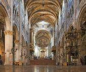 Постер, плакат: Интерьер собора Парма