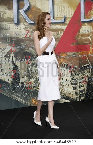 BERLIN - JUN 4: Angelina Jolie at the 'WORLD WAR Z' Premiere at Sony Center on June 4, 2013 in Berlin, Germany