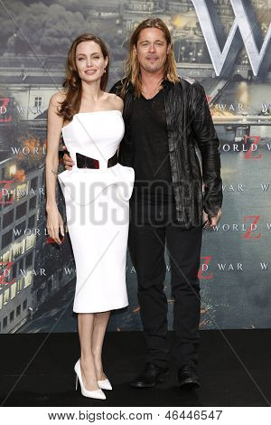 BERLIN - JUN 4: Angelina Jolie, Brad Pitt at the 'WORLD WAR Z' Premiere at Sony Center on June 4, 2013 in Berlin, Germany