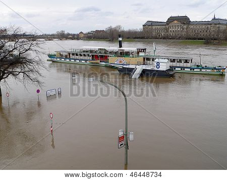 Paddle Steamer And High Water, Dresden, Germany