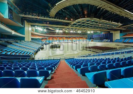 MOSCOW - AUG 5: Assembly works on arena of sports complex Olympiysky, August 5, 2012, Moscow, Russia.