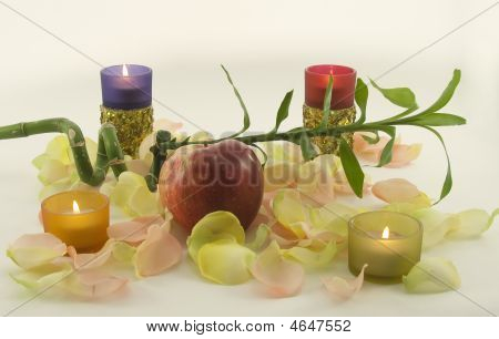 Bamboo And Big Red Fresh Apple With Aromatic Rose Leave In Rays Of Color Candles