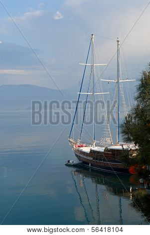 Chic Yacht