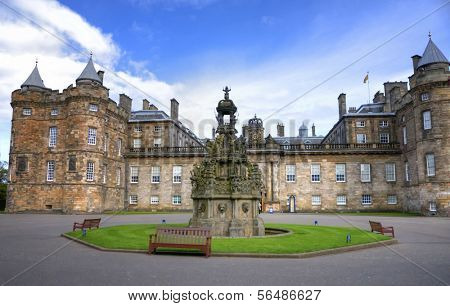 EDINBURGH - MAY 28: Palace of Holyroodhouse, official residence of the Monarch of the United Kingdom May 28, 2009 in Edinburgh, Scotland.