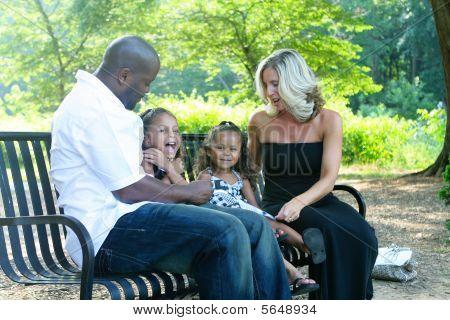 Una familia de raza mixta