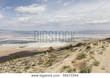 Mountain view towards Owens Dry lake near Lone Pine California.