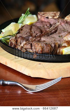 the stake from mutton with a lemon