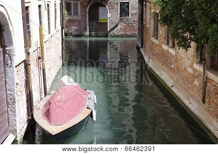 Powerboat Instead Of A Car In Venice, Italy